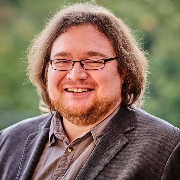 Der Kurator der Museums am Schölerberg ist Dr. Patrick Chellouche